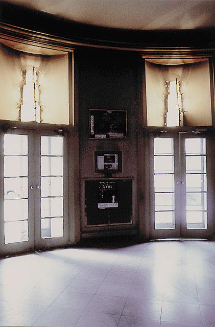 013u-79-Renais.-Theater