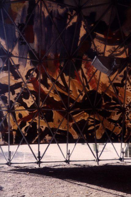 Zelt für die Ausstellung Achim Freyer, 1983 Foto von Gabi Sehringer Scan 000309 1010