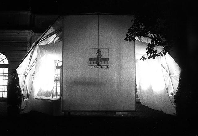 Zelt für Orangerie-Ausstellung, 1983? Foto von Gabi Sehringer Scan 000309 1024