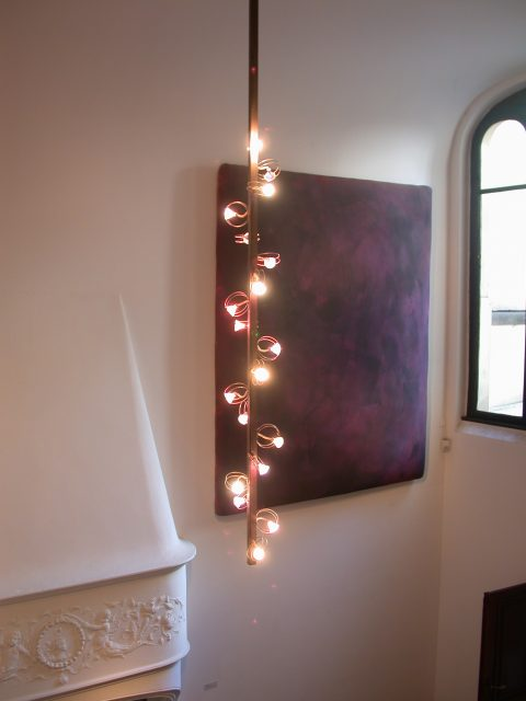 030525-1748-leuchter-eingangshalle