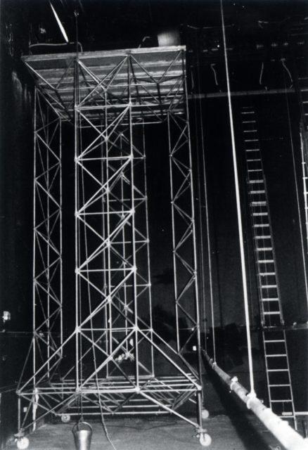 Fahrbare Rüstung aus System 180, Theatermanufaktur Berlin, 1988, Foto: Jürg Steiner Scan: 01.07.03, M. Pagel