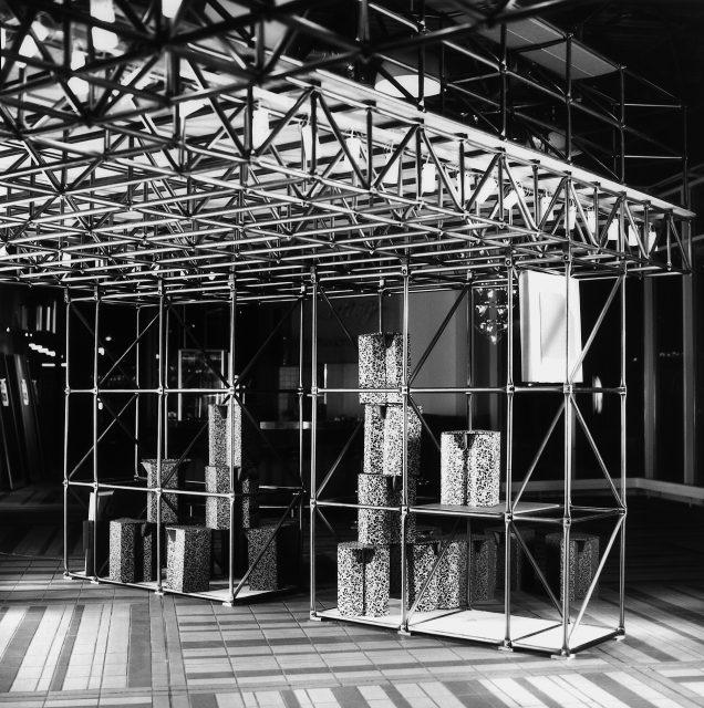 Möbelmesse Köln 1988Fotograf Idris Kolodziej BerlinArchiv BS CD Szen. Architektur Pomp 2