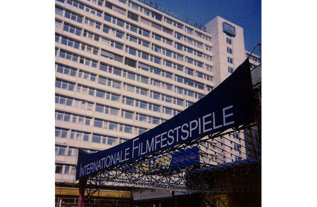 160426-Internationale-Filmfestspiele-Urania-1989-Transparent1
