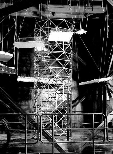 Treppenturm in der Ausstellung Feuer und Flamme. 200 Jahre Ruhrgebiet im Gasometer Oberhausen, 1994/1995 Fotograf Peter Lipsmeyer Archiv BS Dokumentation Scan 19/6/03 scho
