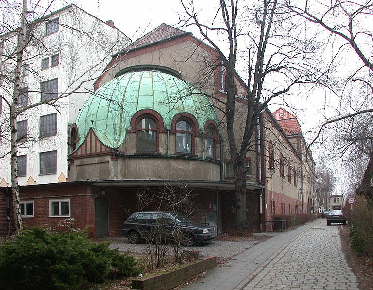 2004-0214-1358-Stadtbad-von-Sued