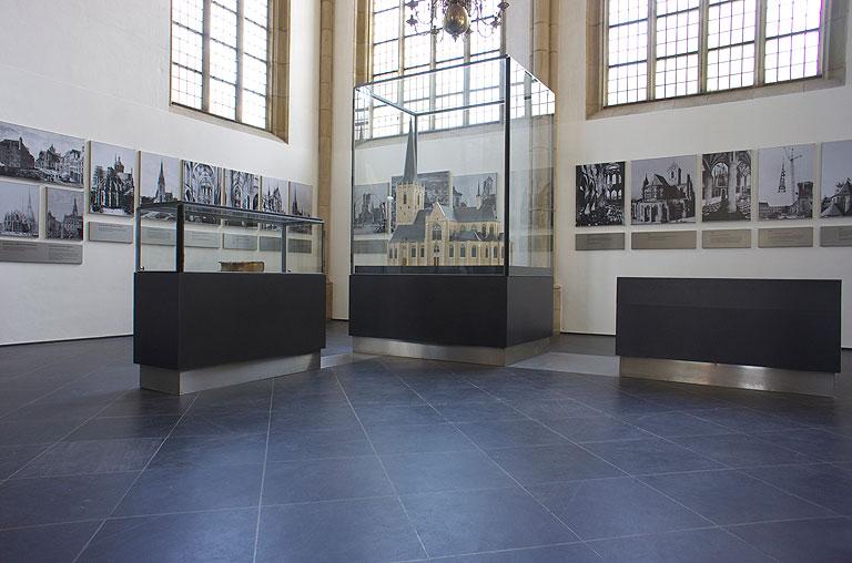 110717-0949-Wesel-Dom-Ausstellung