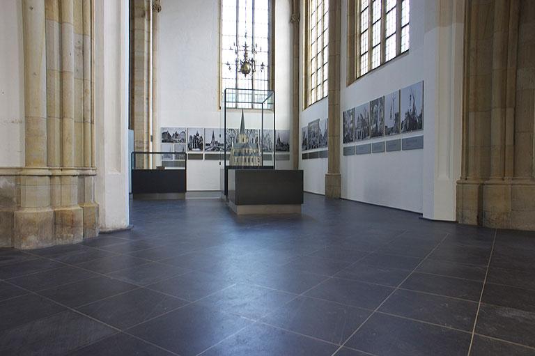 110717-0957-Wesel-Dom-Ausstellung