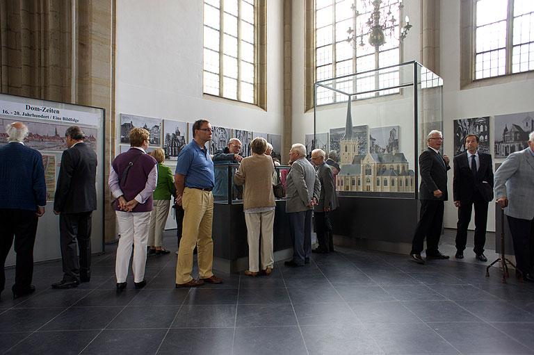 110717-1149-Wesel-Dom-Eroeffnung