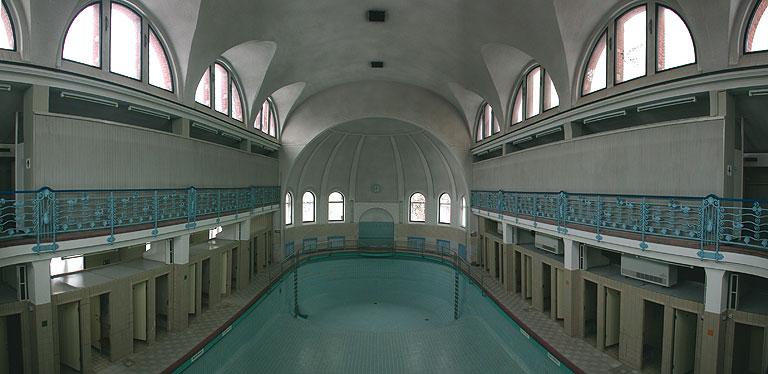 2004-0829-Stadtbad-Schwimmhalle