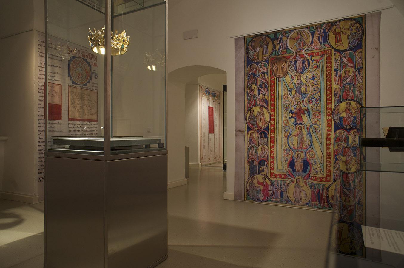 150809 1356 Schloss Raum 3 website
