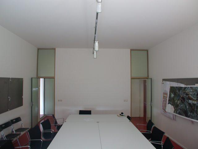 030804-1801-konferenzraum